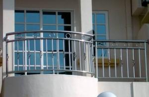 ferforje şık balkon korkulukları, zarif tasarımlar,
