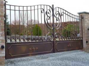 naturel ferforje, bahce giris kapısı, garaj kapısı, ferforje sağlam kapılar,