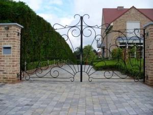 naturel ferforje bahce kapısı, ferforje kapı modelleri, ferforje kayar kapılar, motorlu bahce kapıları,