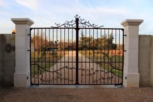 ferforje bahçe kapıları, feforje bahçe giriş kapısı, ferforje kapılar,