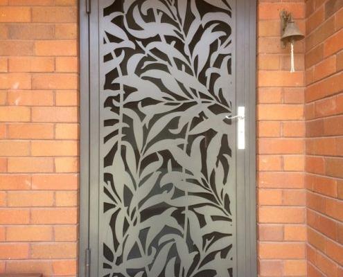ferforje lazer kesim , lazer kesim motifler , ferforje lazer kesim kapı motifleri , kapı desenleri , dekoratif kapı modelleri , villa kapı modelleri ,